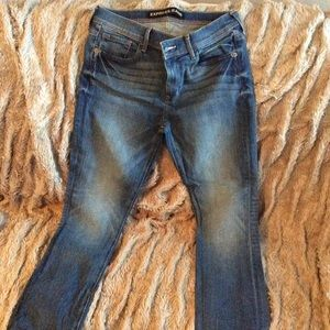 Express size 6 mid rise cropped jeans. Used